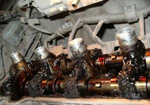 Состояние двигателя японских праворульных автомобилей, использовавших дешевые азиатские масла с низким щелочным числом