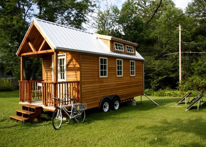 Дом на колесах деревянный